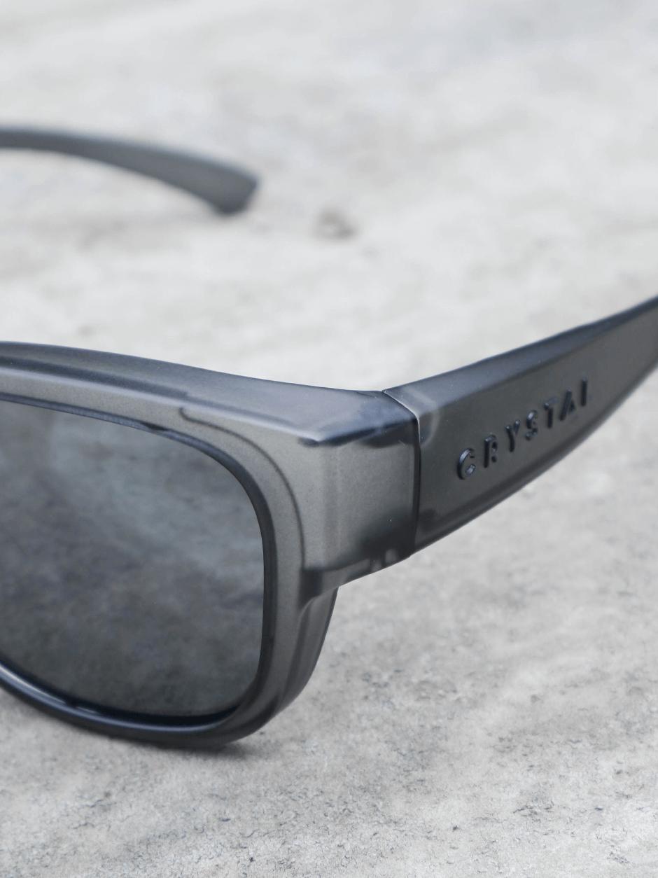 新品上市!品牌外套式太陽眼鏡